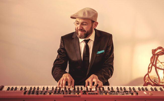 Jazzpianist voor achtergrondmuziek