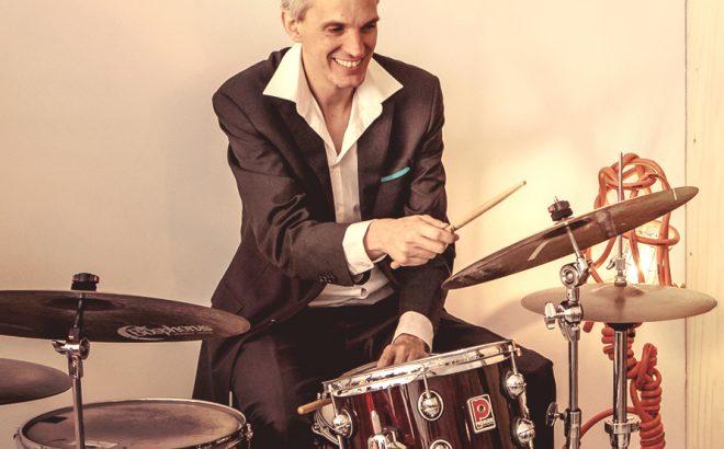 Drummer van live jazzband