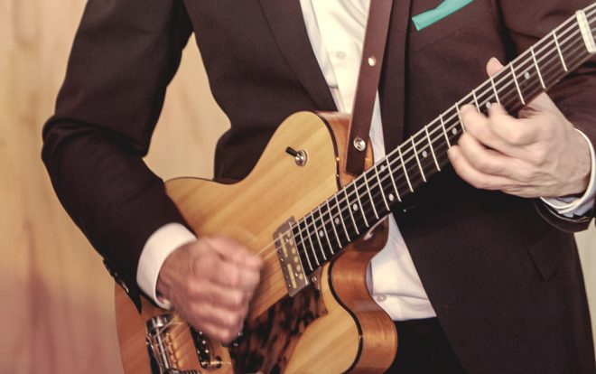 Gitarist van jazztrio