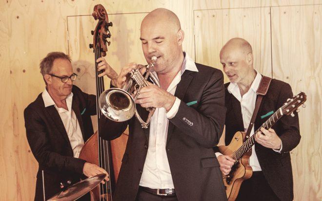 Jazzband speelt live jazz als achtergrondmuziek